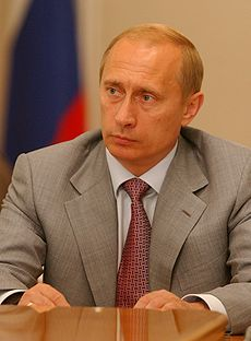 Vladimir Putin 2 « Les dirigeants français ont abandonné lidée daider la société civile russe... »
